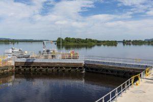 mississippi river dam-lock