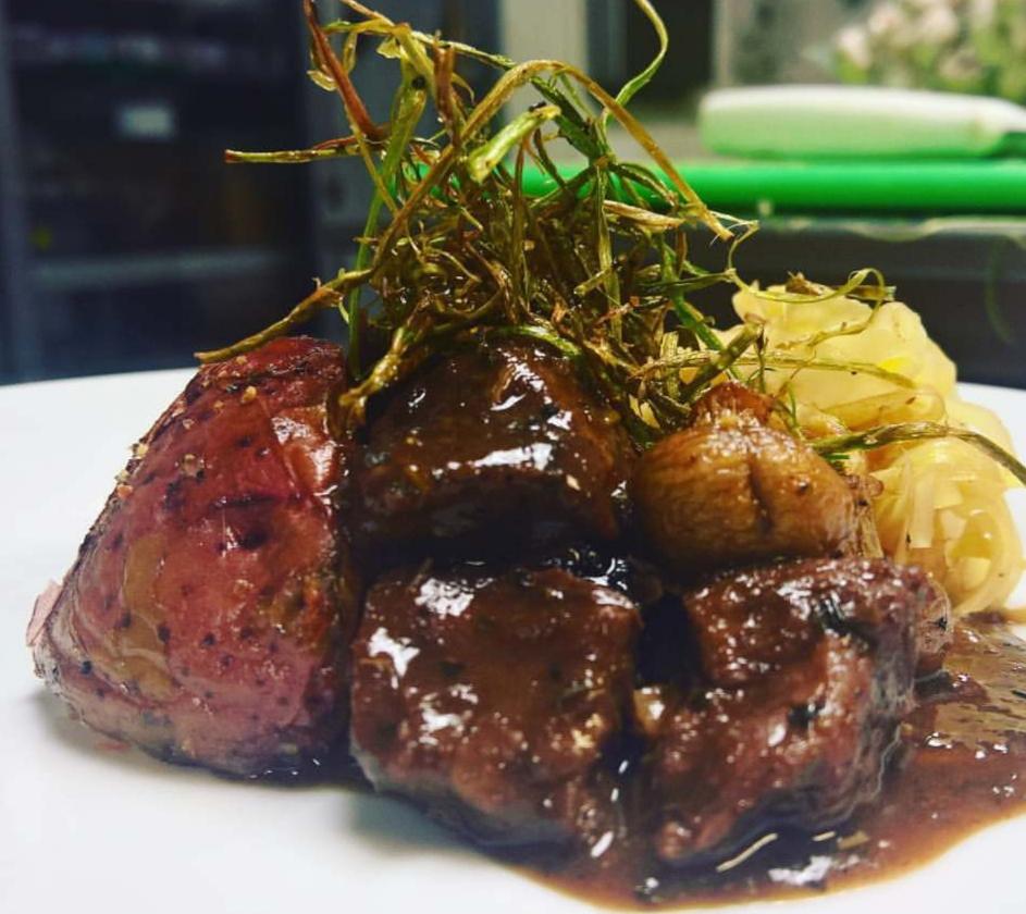 Pressure Cooked Beef Bourguignon